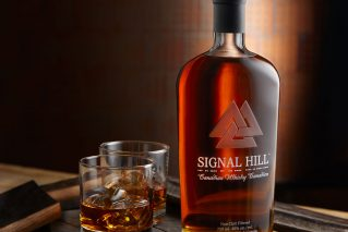 Signal Hill Whisky with two glasses